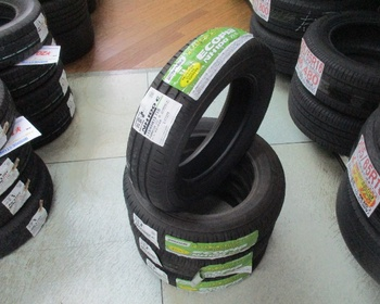 Bridgestone - (155 / 65R13) unused tire NH100C four